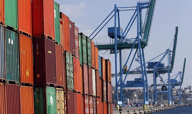 Украину в мае импортировала на треть меньше, чем год назад