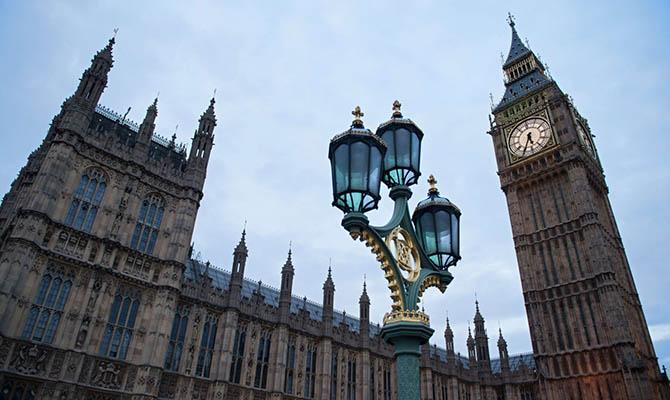В Британии собираются сажать за осквернение памятников