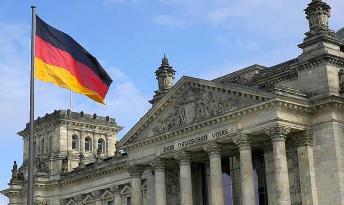 Германия залезет в рекордные долги из-за COVID-19