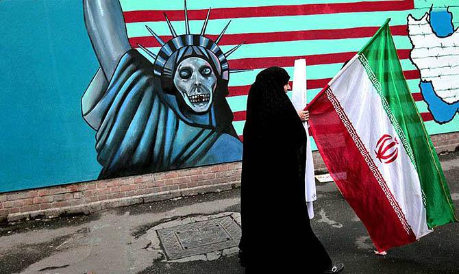 В Иране к смертной казни приговорили главу новостного портала