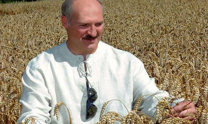 Лукашенко подал документы для регистрации кандидатом в президенты