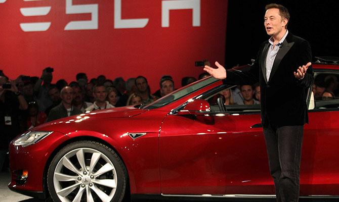 Акции Tesla обошли биткоин по доходности