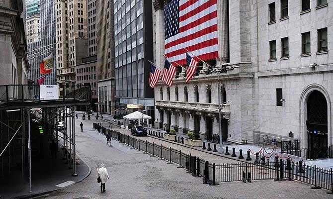 США во втором квартале потеряли треть экономики