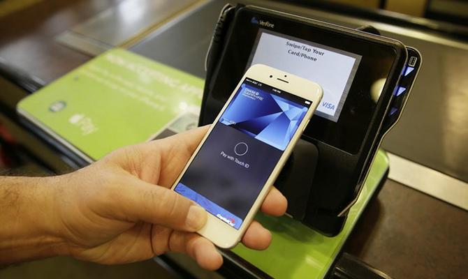 В Украине с 1 августа вводят «кассовые аппараты в смартфоне»
