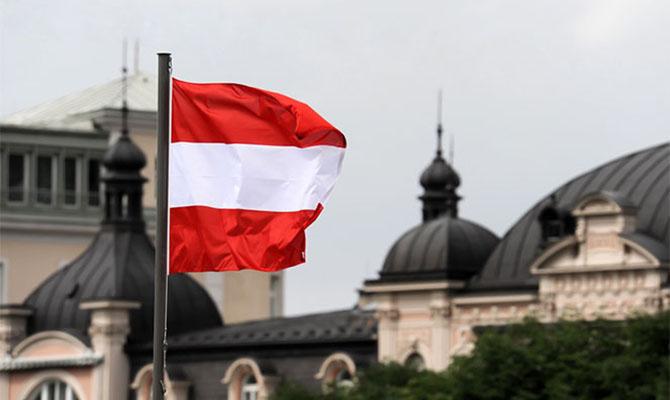 Первая европейская страна снимает запрет навъезд изРоссии