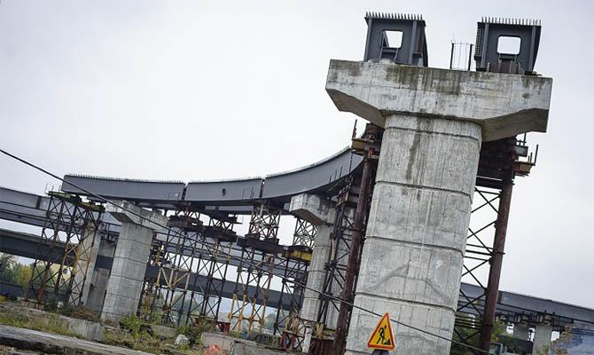 У Кличко со стройплощадки Подольско-Воскресенского моста украли 12 новых вант