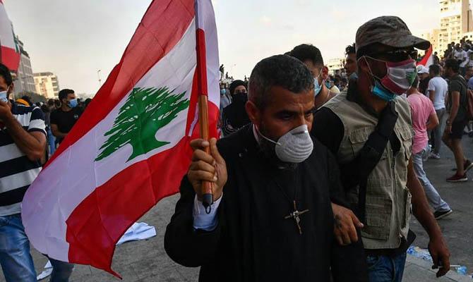 Число пострадавших в ходе простестов в Бейруте выросло до 728 человек