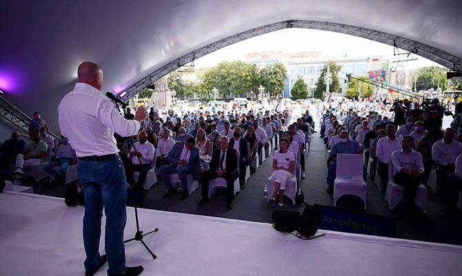 Игорь Палица призвал отбросить темы, которые раскалывают страну, и сосредоточиться на развитии экономики