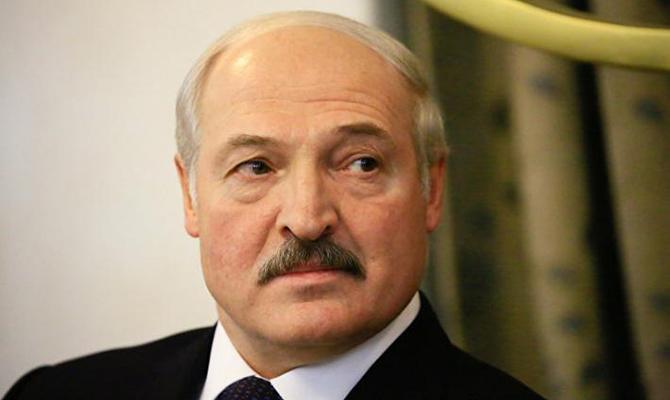 Лукашенко собрал совещание по протестам в Беларуси