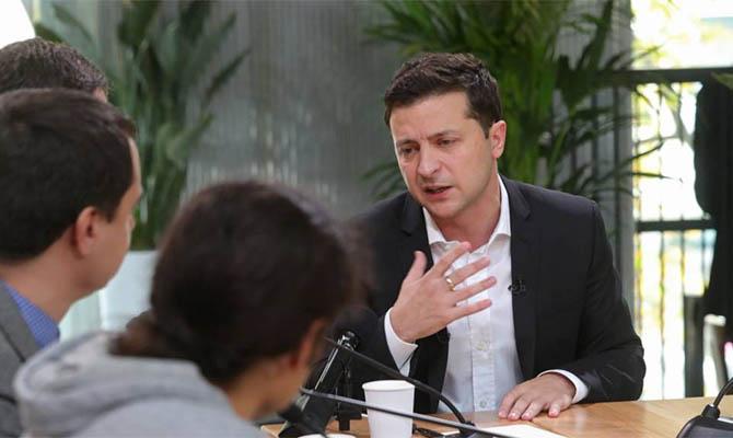 Зеленский не ищет замены Минску и доволен Кравчуком