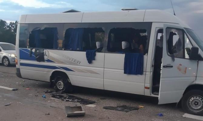 Полиция заявляет об отсутствии погибших в результате обстрела автобуса в Харьковской области
