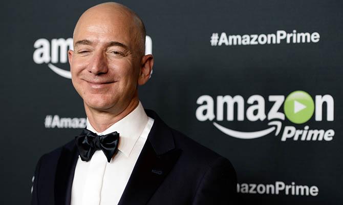 Глава Amazon снова возглавил рейтинг самых богатых американцев