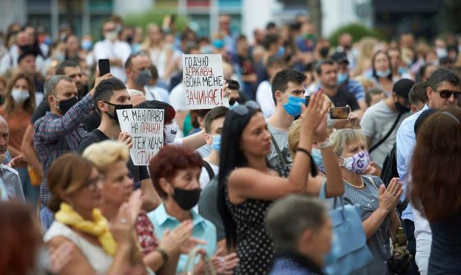 Зеленский прокомментировал «бунты» властей в регионах против карантина