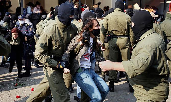 В Минске снова протесты и массовые задержания