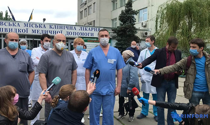 Зарплаты врачам экстренной медпомощи увеличат до 22 тысяч гривен