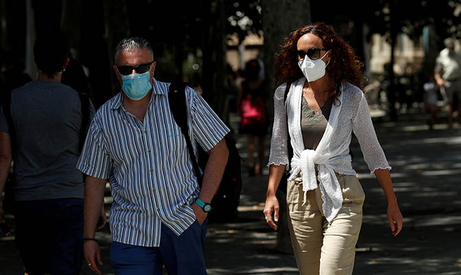 Во Франции за сутки более 13 тысяч случаев коронавируса