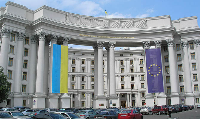 Главы МИД Украины и Венгрии встретятся завтра на Закарпатье