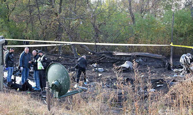 «Черные ящики» упавшего самолета уже нашли, но не могут достать