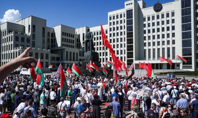 ЕС ввел санкции против чиновников Беларуси, Лукашенко под них не попал