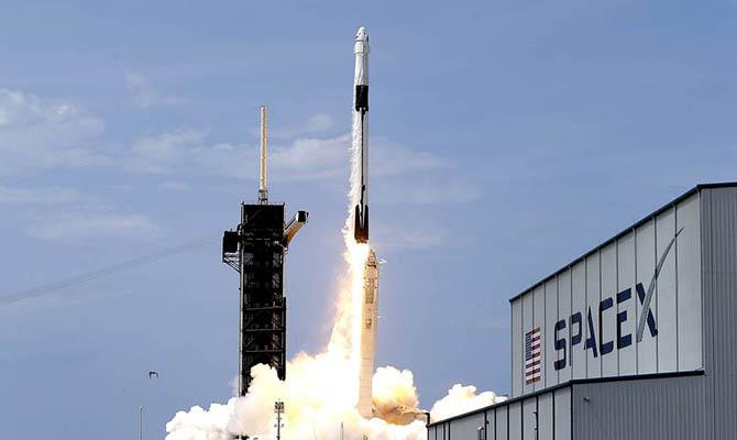 SpaceX отменила запуск Falcon 9 за две секунды до старта