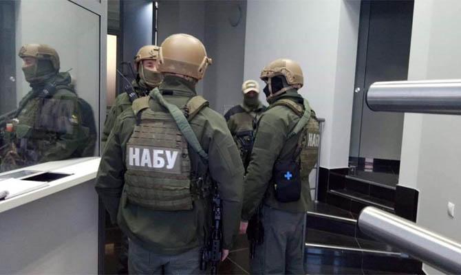 НАБУ и СБУ проводят обыски в рамках дела о незаконной продаже 32 барж Дунайского пароходства за границу