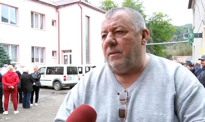 Представители ОПЗЖ поддержали протест медиков против закрытия больницы на Закарпатье
