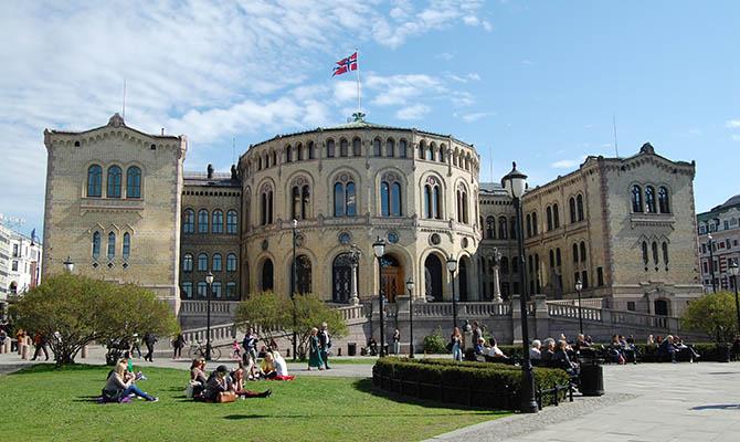 Норвегия обвинила Россию в хакерской атаке на свой парламент