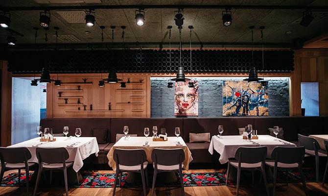 В Словении из-за коронавируса запретили работу баров и ресторанов