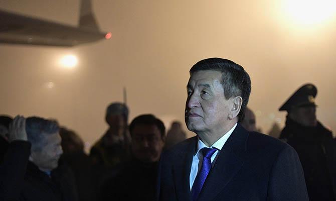 Президент Кыргызстана ушел в отставку