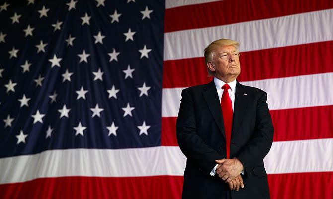 Трамп считает себя вторым после Иисуса Христа