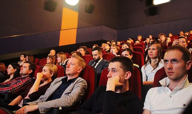 Кинотеатрам разрешено работать в «красной» зоне карантина
