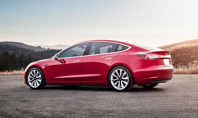 Tesla будет поставлять в Европу электромобили китайской сборки