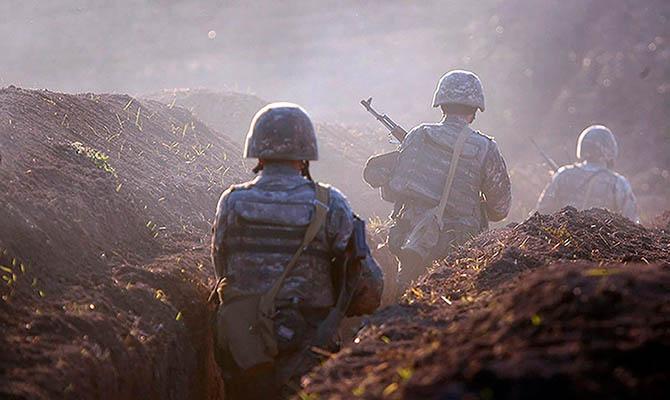 Азербайджан уверяет, что взял под контроль пять районов вокруг Карабаха