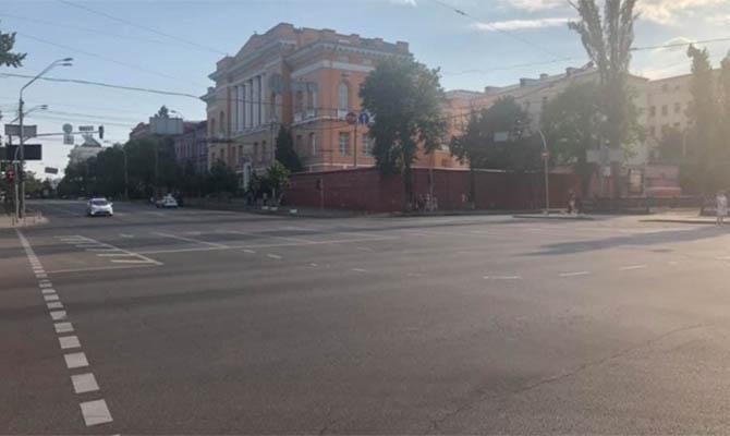 В Киеве на некоторых улицах ввели сезонное ограничение скорости движения до 50 км/ч