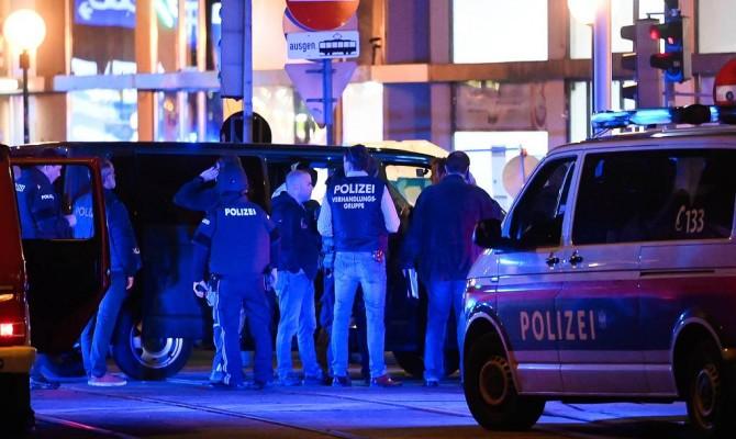 Трое человек погибли в результате нападения джихадистов в Вене