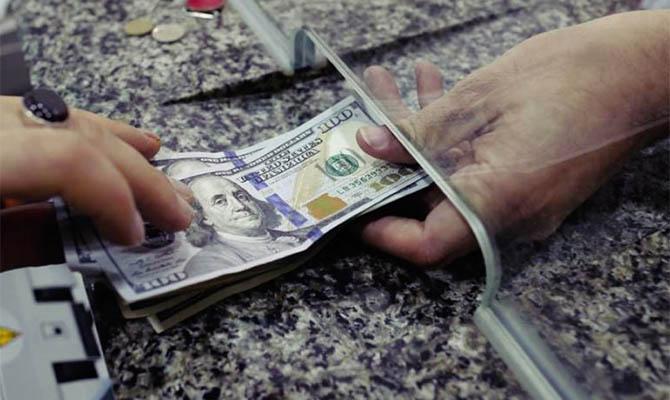 За первые три квартала в Украину перевели более 8 миллиардов долларов