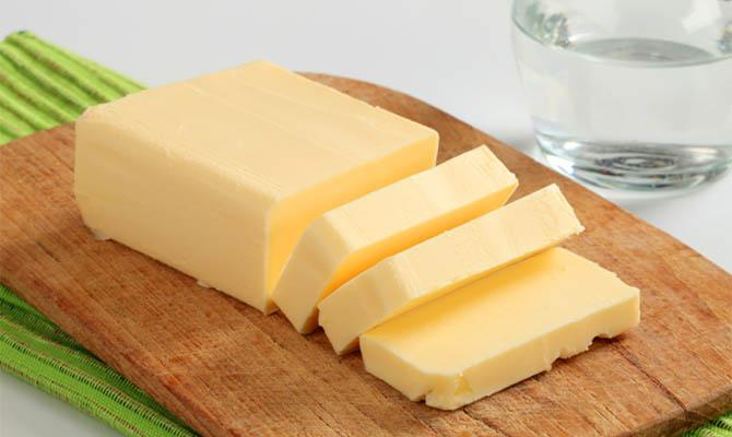 АМКУ оштрафовал пятерых производителей за фальсификацию сливочного масла