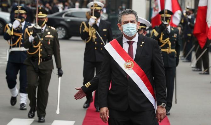 В Перу ушел в отставку второй президент за неделю