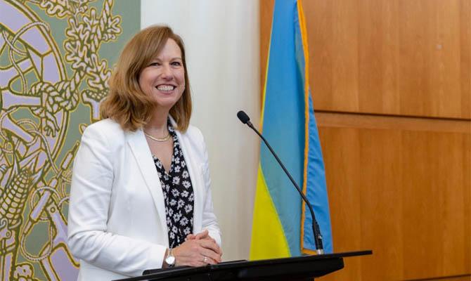Посол США считает, что Украину не пускают в НАТО российская агрессия и коррупция