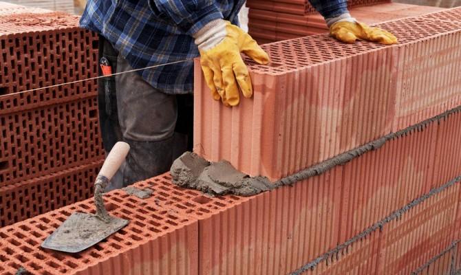 Преимущества строительства дома из керамоблоков