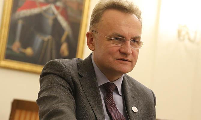 Экзит-пол отдает победу во Львове Садовому