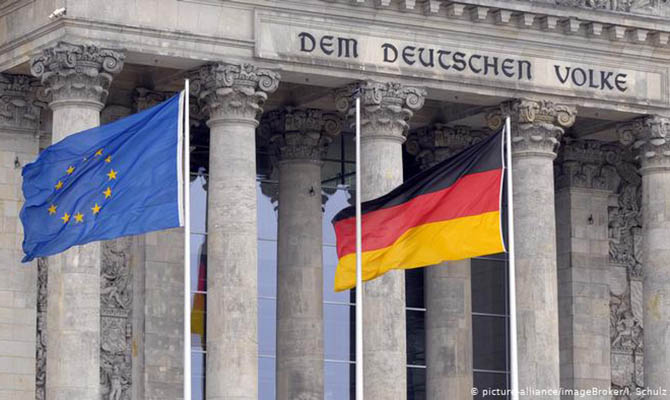 Германия собирается взять в 2021 году в долг €160 млрд