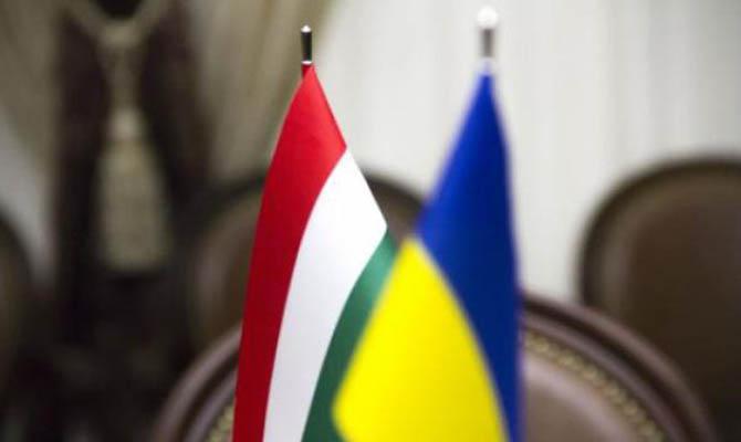 В правящей партии Венгрии заявили о «гражданской войне» на Закарпатье