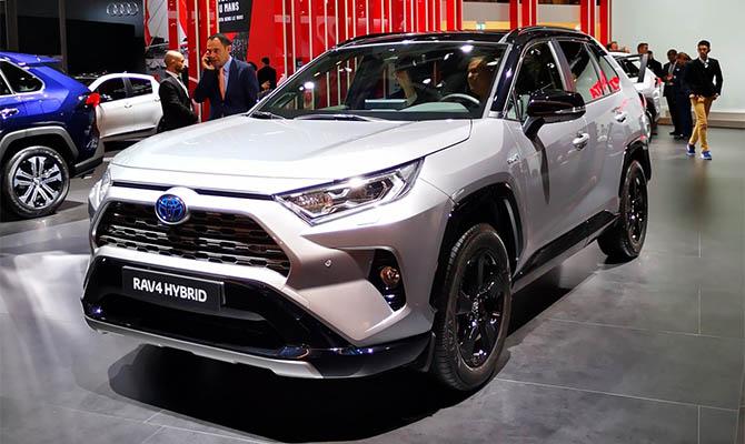 Самым покупаемым авто в Киеве стала Toyota Rav 4