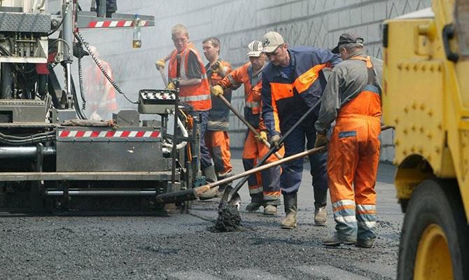 Украина берет в долг 450 млн евро на строительство дорог