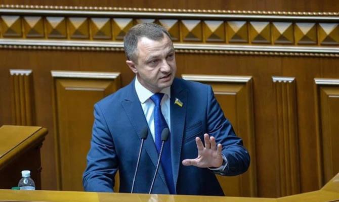 Чиновники и соискатели гражданства будут сдавать экзамен по украинскому языку