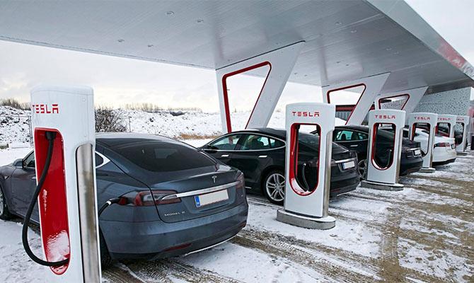 В первой стране мира электромобили превысили половину рынка новых машин