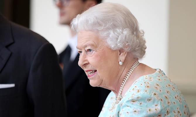 Елизавете II сделали прививку от коронавируса