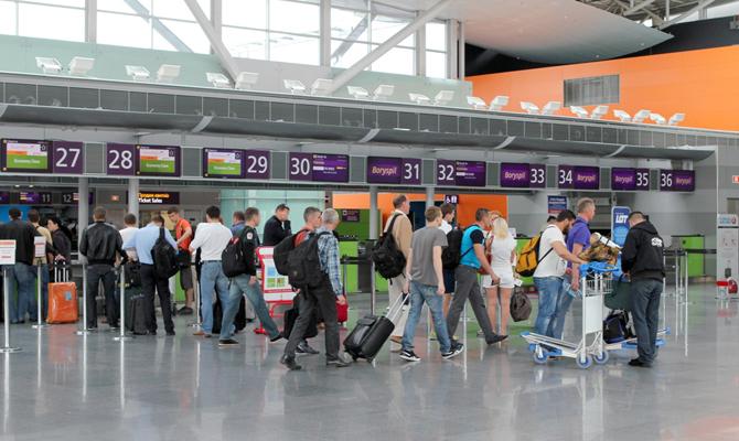Аэропорт «Борисполь» потерял за год две трети пассажиропотока