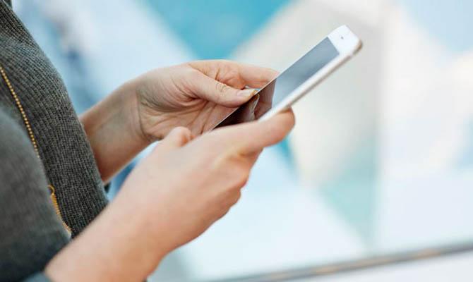 Коронавирус серьезно снизил мировые продажи смартфонов